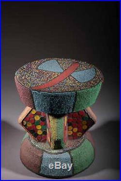 Art africain Tabouret Bamoun perlé