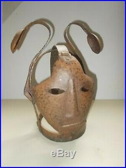 Cabinet de Curiosité Rare Masque de Honte, Bride de Sorciére, Scolds Bridle
