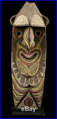 Figure Minja, art tribal océanien, mont waskuk, papouasie nouvelle guinée