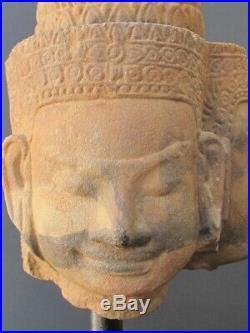 Grande Statuette Khmer Vishu 3 Têtes en Grès du Cambodge