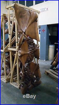 Sculture de raie en bois exotique de 2m50
